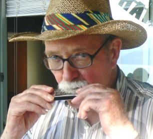 hugh-harmonica2